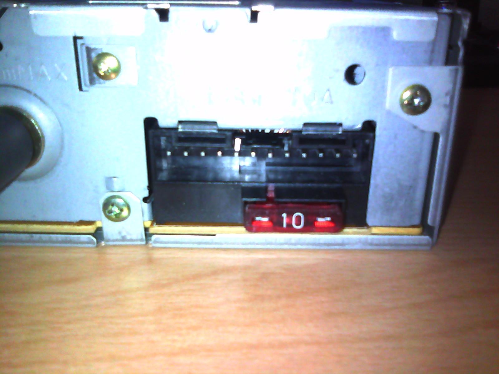 anschluss von pioneer radio was ist das f r ein anschluss. Black Bedroom Furniture Sets. Home Design Ideas